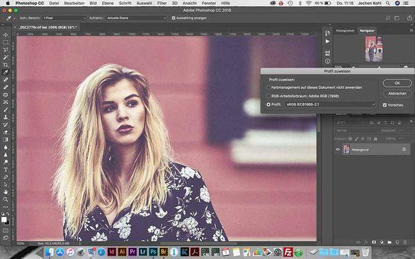 """ACHTUNG - FEHLER! Hier wird dem eigentlich im """"AdobeRGB""""-Format vorliegenden Bild in Adobe Photoshop das """"sRGB""""-Profil nur """"zugewiesen"""", statt es tatsächlich in den Farbraum """"umzuwandeln"""". Das ist falsch und führt unter anderem zu flaueren Farben bei der Bildbelichtung."""