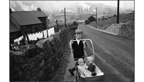 Bruce Davidson - WALES. 1965. Welsh Miners.