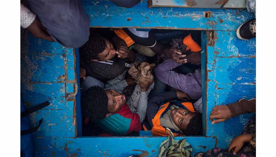 "Felix Schoeller Photo Award 2017: ""Mediterranean Migration"" von Mathieu Willcocks, GB"